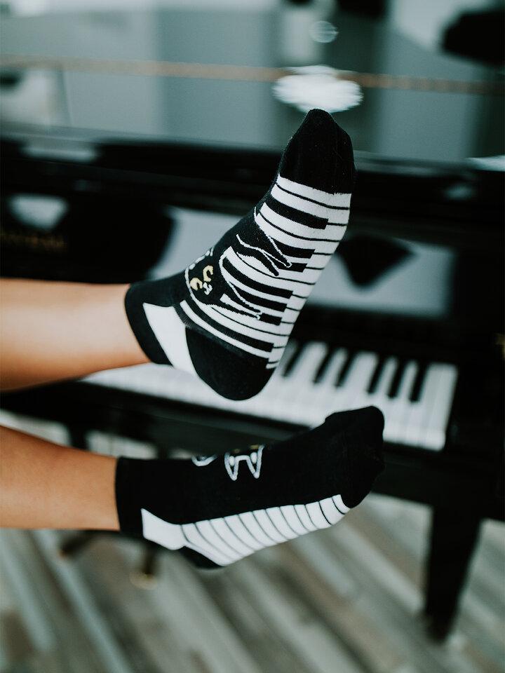Obrázok produktu Vrolijke enkelsokken Piano-kat