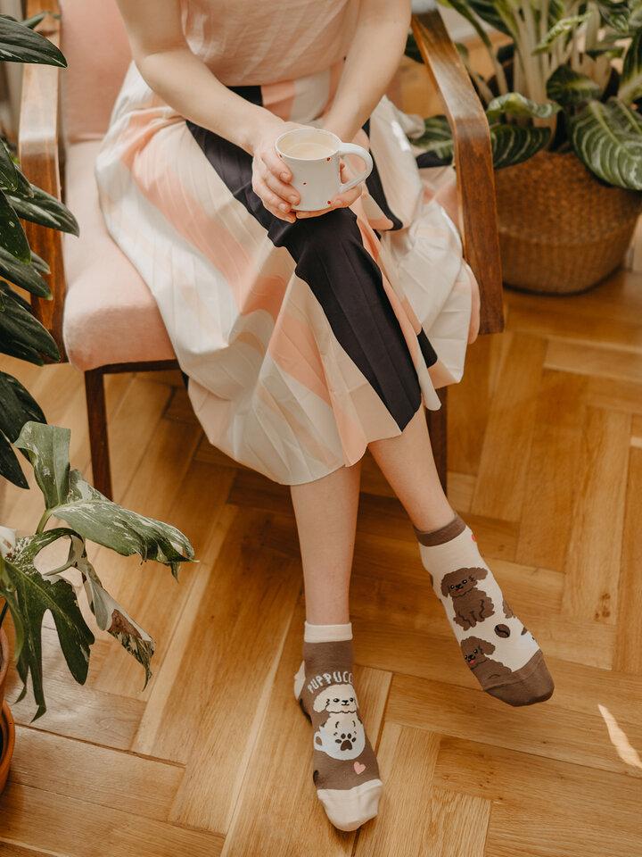 Hľadáte originálny a nezvyčajný darček? Obdarovaného zaručene prekvapí Členkové veselé ponožky Puppucino