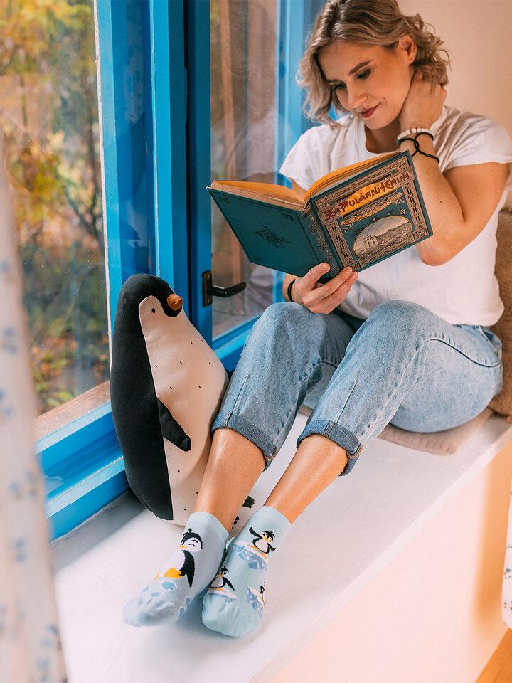 a tökéletes és egyedi ruházathoz Vidám bokazokni Boldog pingvin