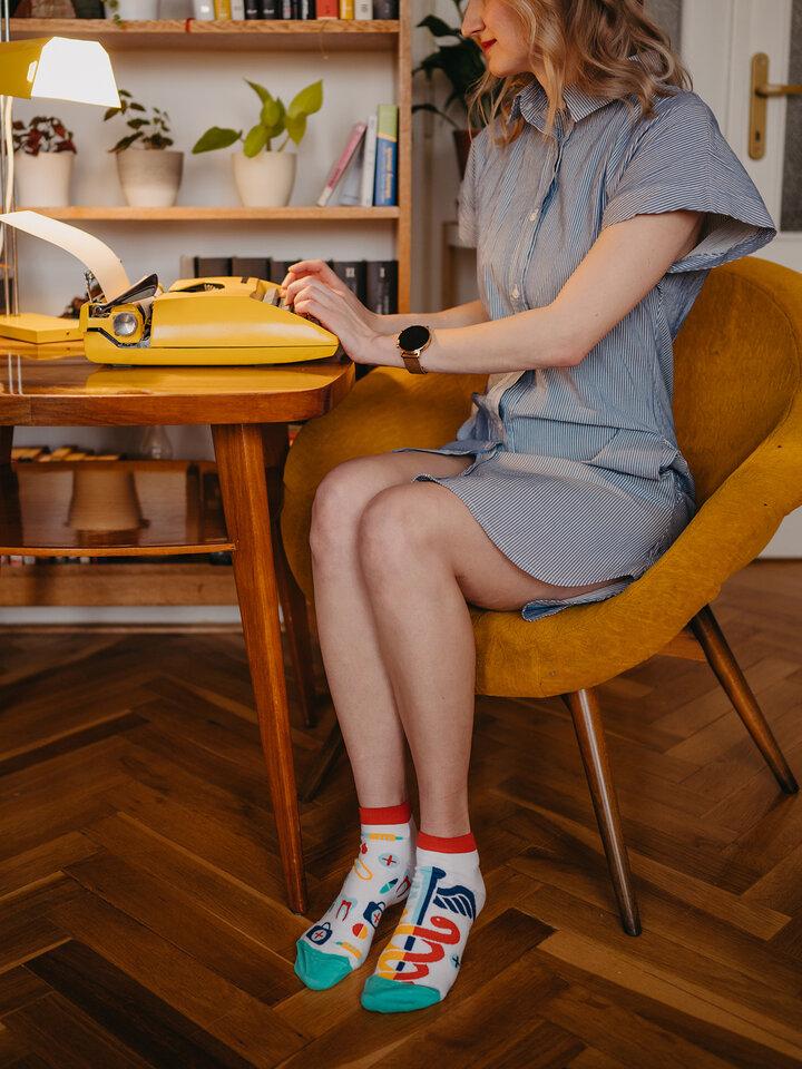 Pre dokonalý a originálny outfit Členkové veselé ponožky Zdravie