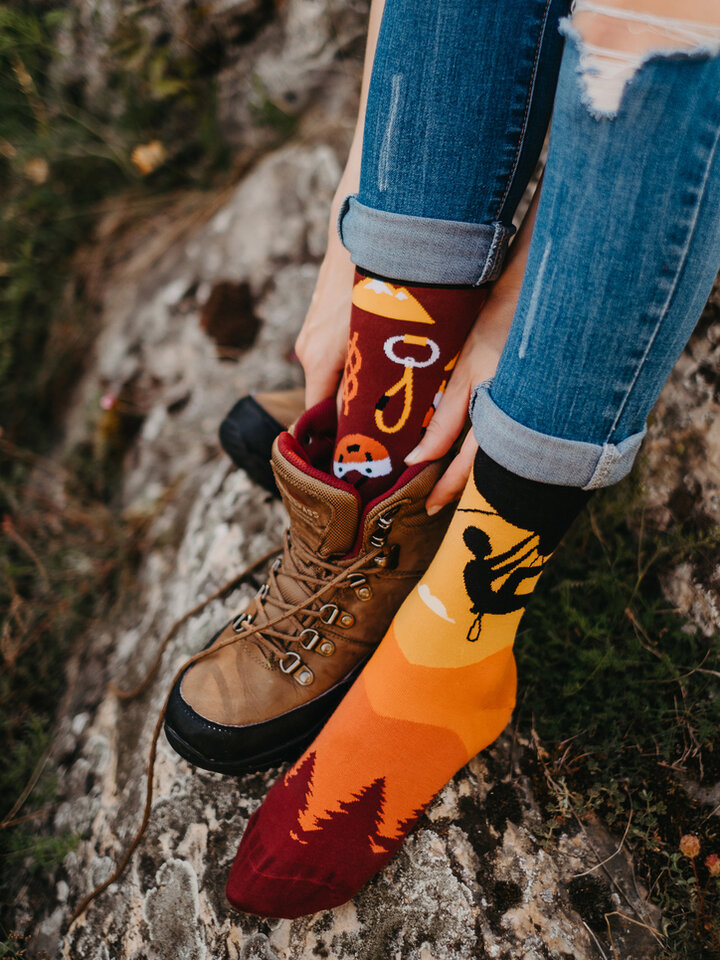 Potěšte se tímto kouskem Dedoles Veselé ponožky Horolezectví