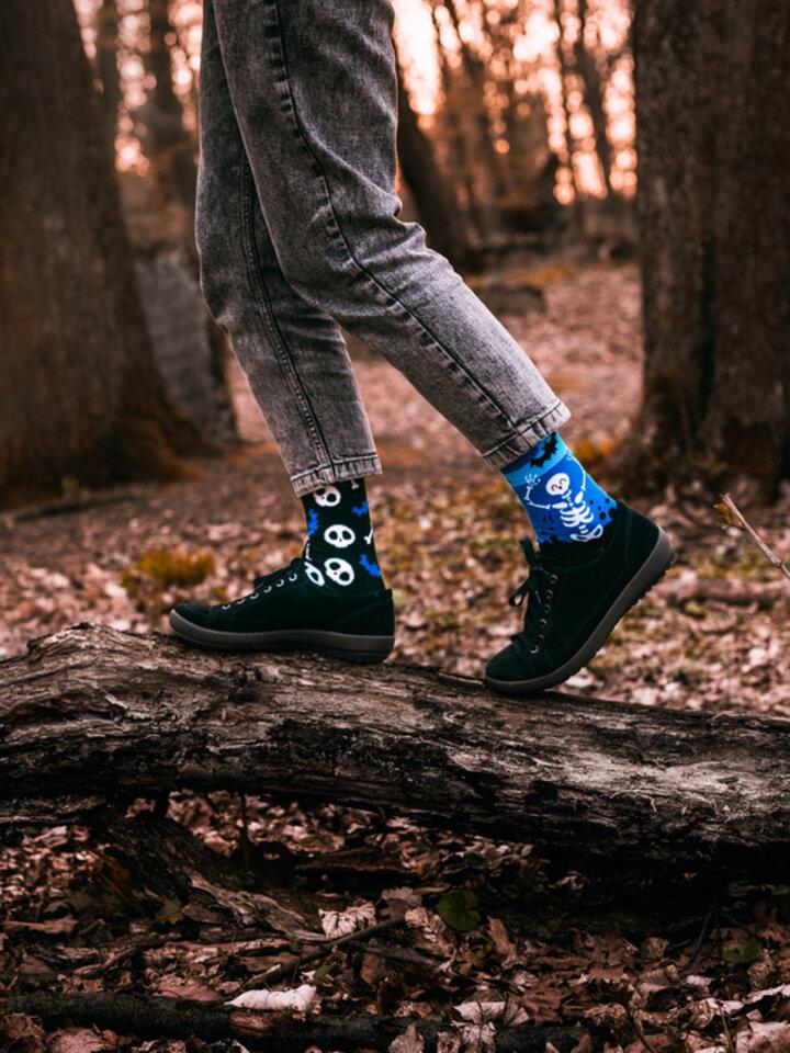 Gift idea Regular Socks Skeletons