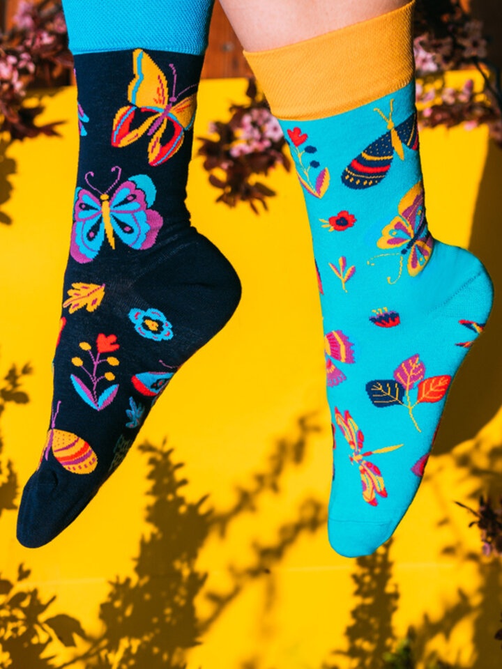Looking for an original and unusual gift? The gifted person will surely surprise with Regular Socks Butterflies
