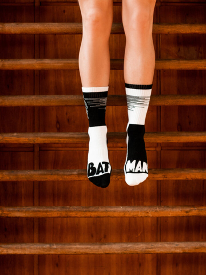 Pre dokonalý a originálny outfit Chaussettes de sport rigolotes Batman ™ Plus qu'un héros
