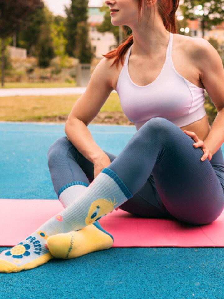Lifestyle foto Veselé športové ponožky Looney Tunes ™ Rozkošný Tweety