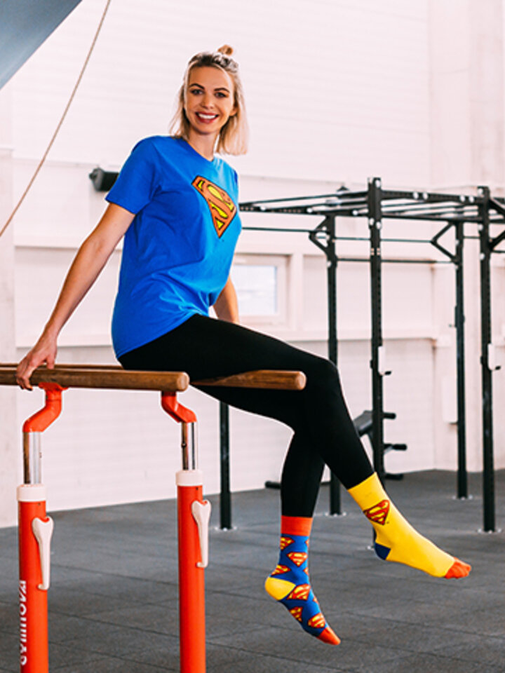 Potešte sa týmto kúskom Dedoles Superman ™Regular Socks Logo