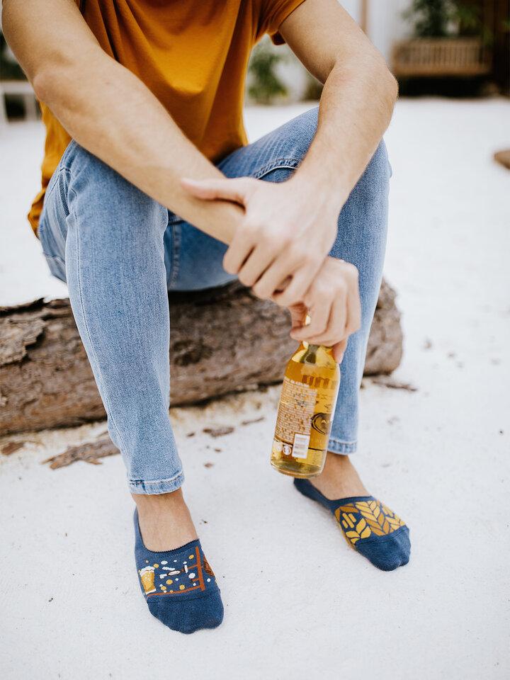 Potešte sa týmto kúskom Dedoles Весели невидими чорапи Време за бира
