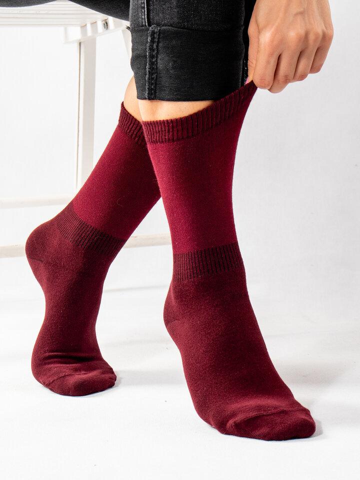 Lifestyle photo Wine Red Bamboo Socks Comfort
