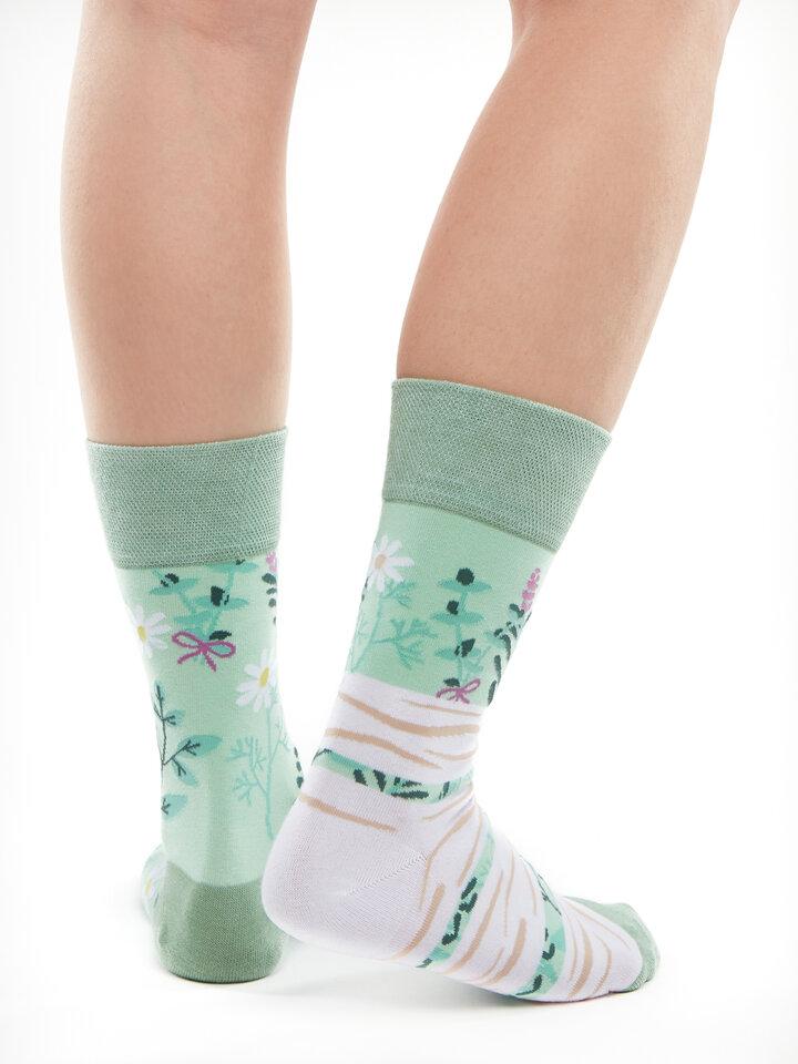 Potěšte se tímto kouskem Dedoles Veselé ponožky Bylinky