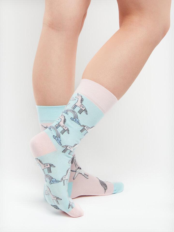 für ein vollkommenes und originelles Outfit Lustige Socken Einhorn