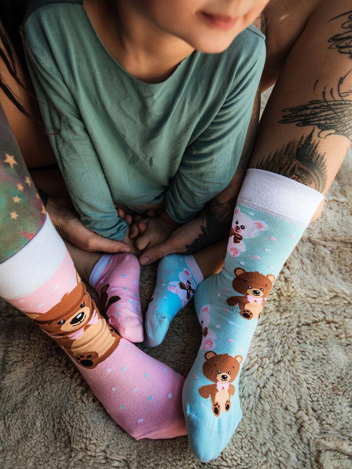Pre dokonalý a originálny outfit Živahne nogavice Medvedek