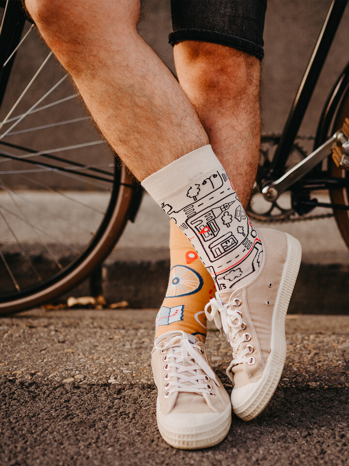 Looking for an original and unusual gift? The gifted person will surely surprise with Regular Socks City Bike