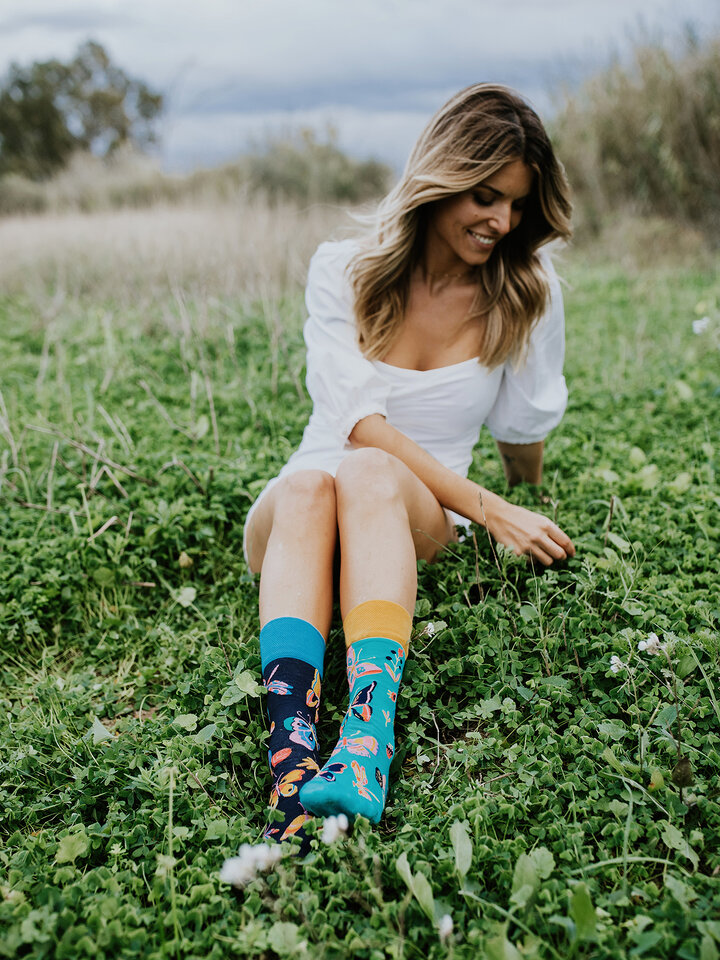 Potešte sa týmto kúskom Dedoles Regular Socks Butterflies