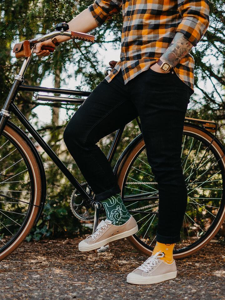 für ein vollkommenes und originelles Outfit Lustige Socken Auf der Strecke