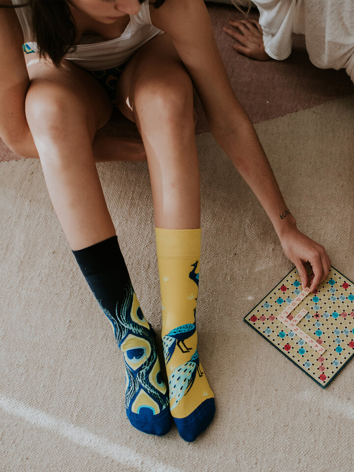 Looking for an original and unusual gift? The gifted person will surely surprise with Regular Socks Peacock