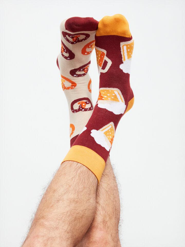 für ein vollkommenes und originelles Outfit Lustige Socken Bier