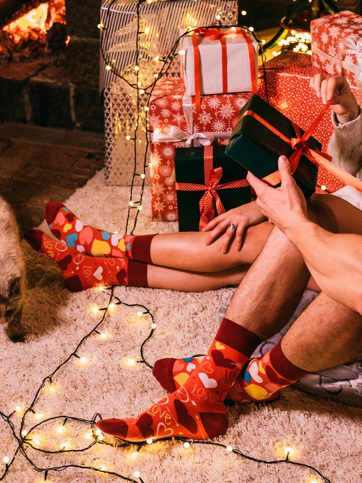 Hľadáte originálny a nezvyčajný darček? Obdarovaného zaručene prekvapí Vrolijke sokken Harten
