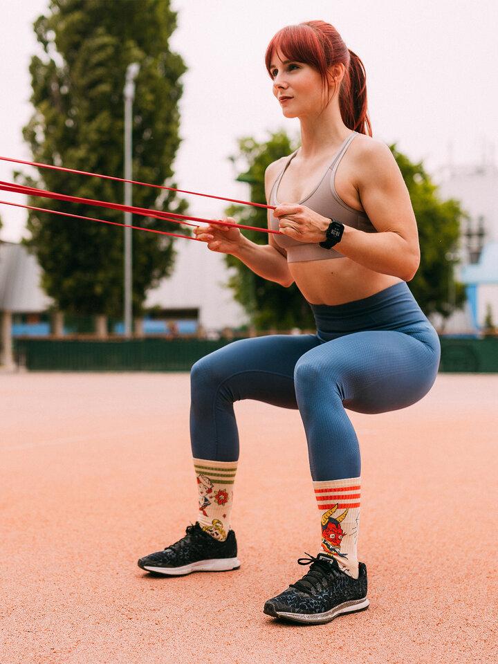 Potešte sa týmto kúskom Dedoles Calcetines deportivos alegres - Tatuaje de la vieja escuela