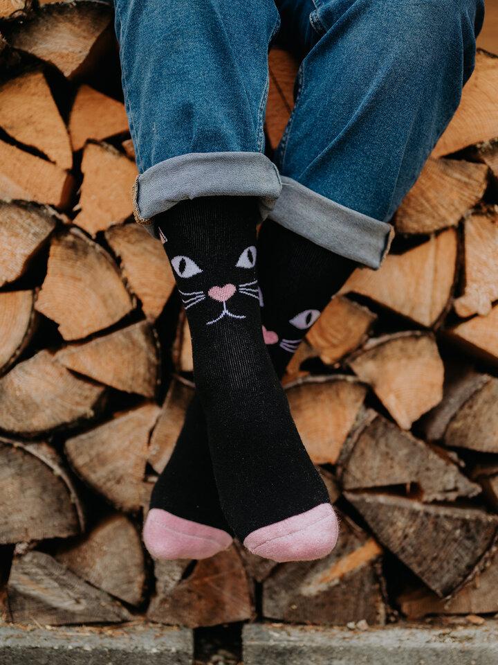 Foto Veselé teplé ponožky Kočičí pohled