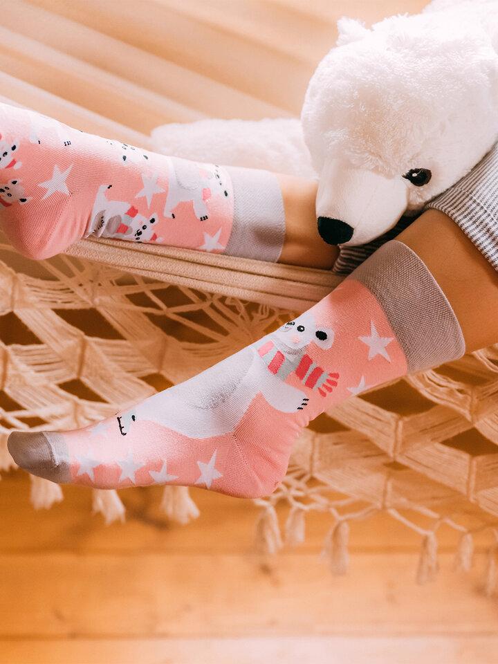 Potešte sa týmto kúskom Dedoles Wesołe skarpetki Niedźwiedź polarny na łyżwach