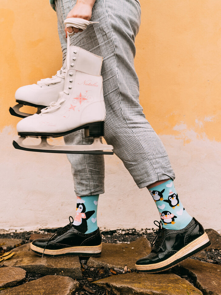Lifestyle photo Regular Socks Skating Penguin