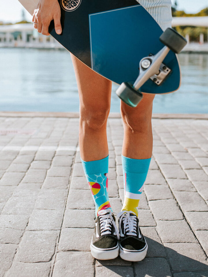 Looking for an original and unusual gift? The gifted person will surely surprise with Regular Socks Pool Party