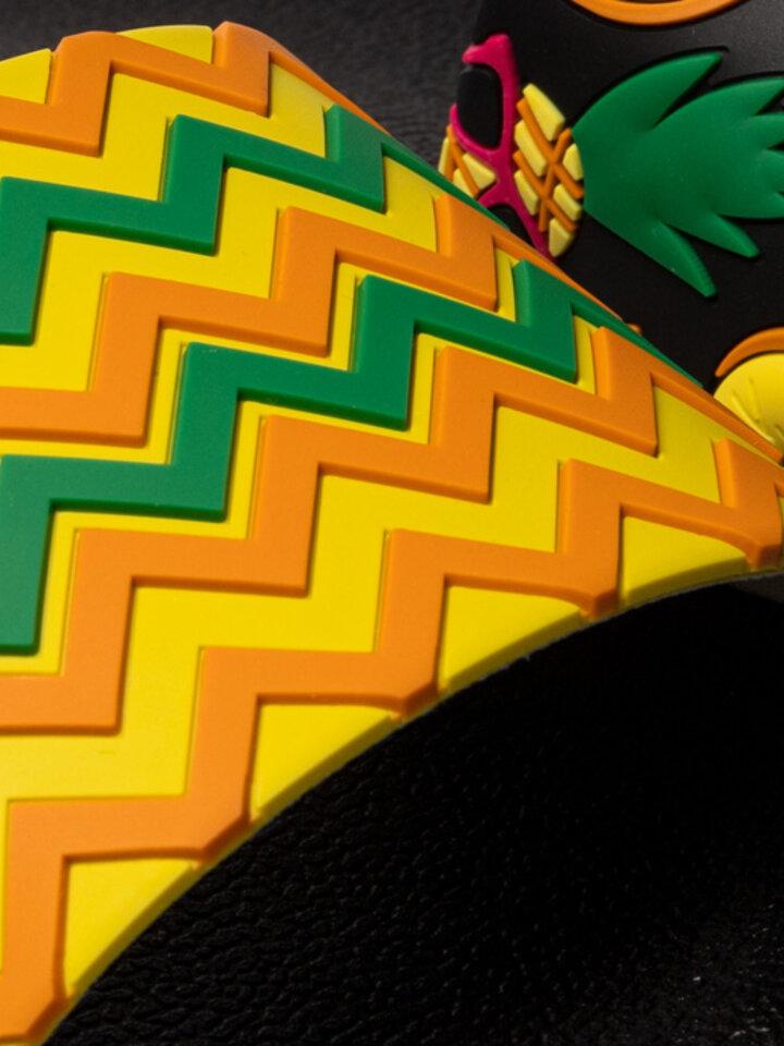 Pre dokonalý a originálny outfit Slides Pineapple