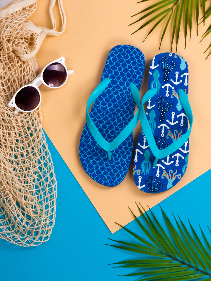 Lifestyle photo Flip Flops Octopus & Anchors