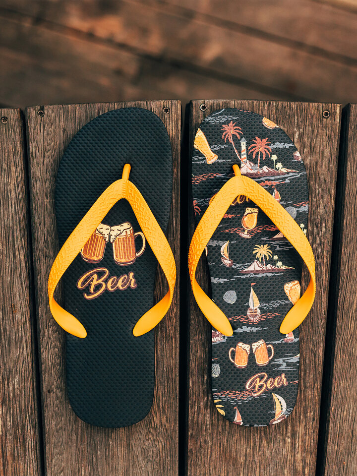 Looking for an original and unusual gift? The gifted person will surely surprise with Flip Flops Beach Beer