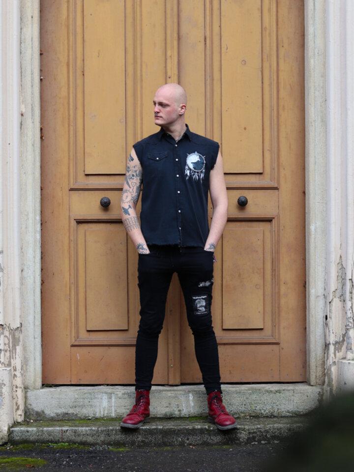 Pre dokonalý a originálny outfit Sleeveless Shirt Wolf's Opposite