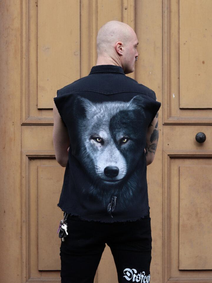Lifestyle photo Sleeveless Shirt Wolf's Opposite