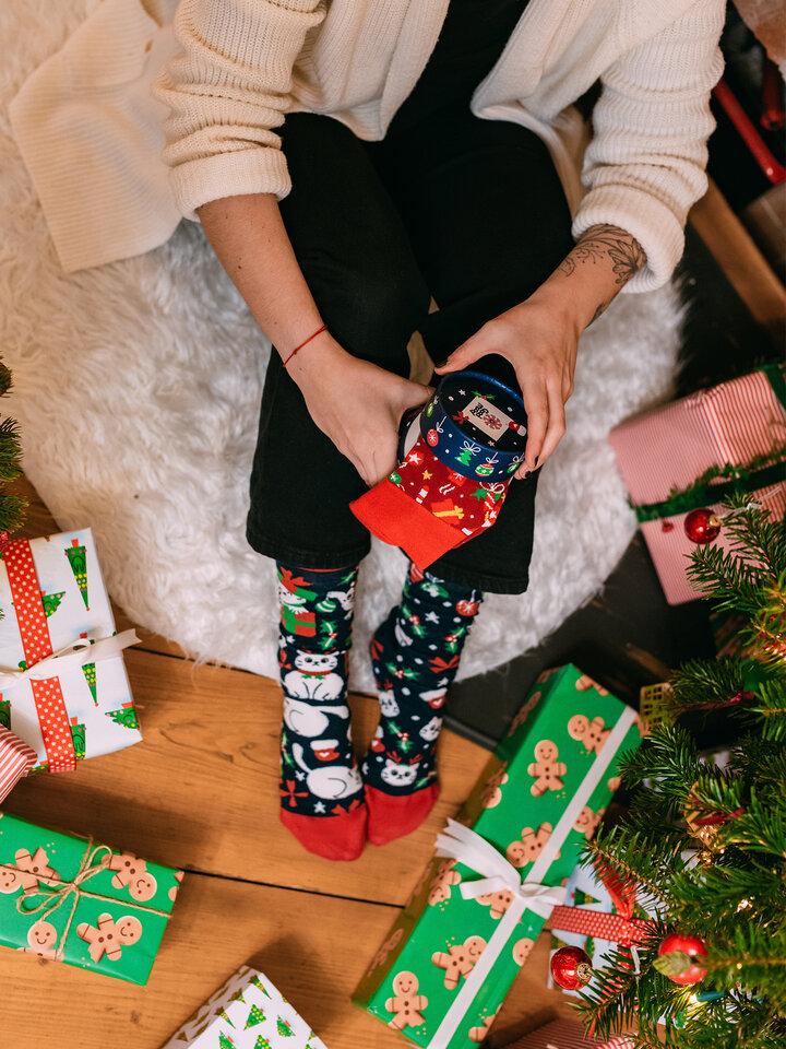 Lifestyle foto Caja regalo Gatos navideños