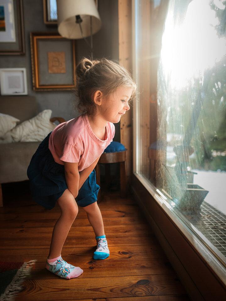 Sleva Veselé dětské kotníkové ponožky Duhový jednorožec