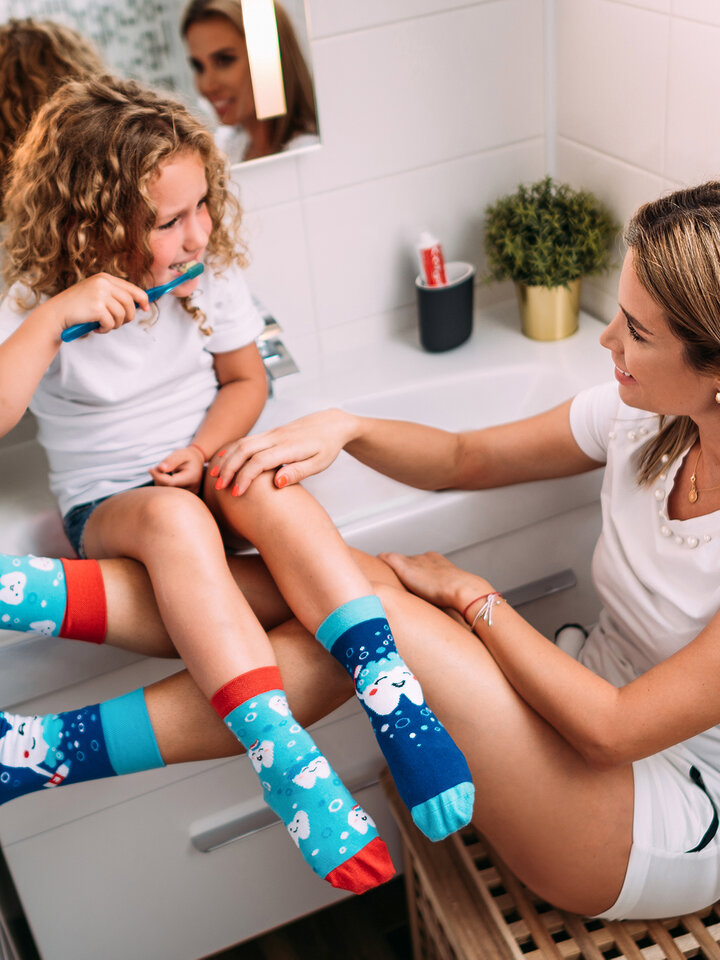 Looking for an original and unusual gift? The gifted person will surely surprise with Kids' Socks Clean Teeth