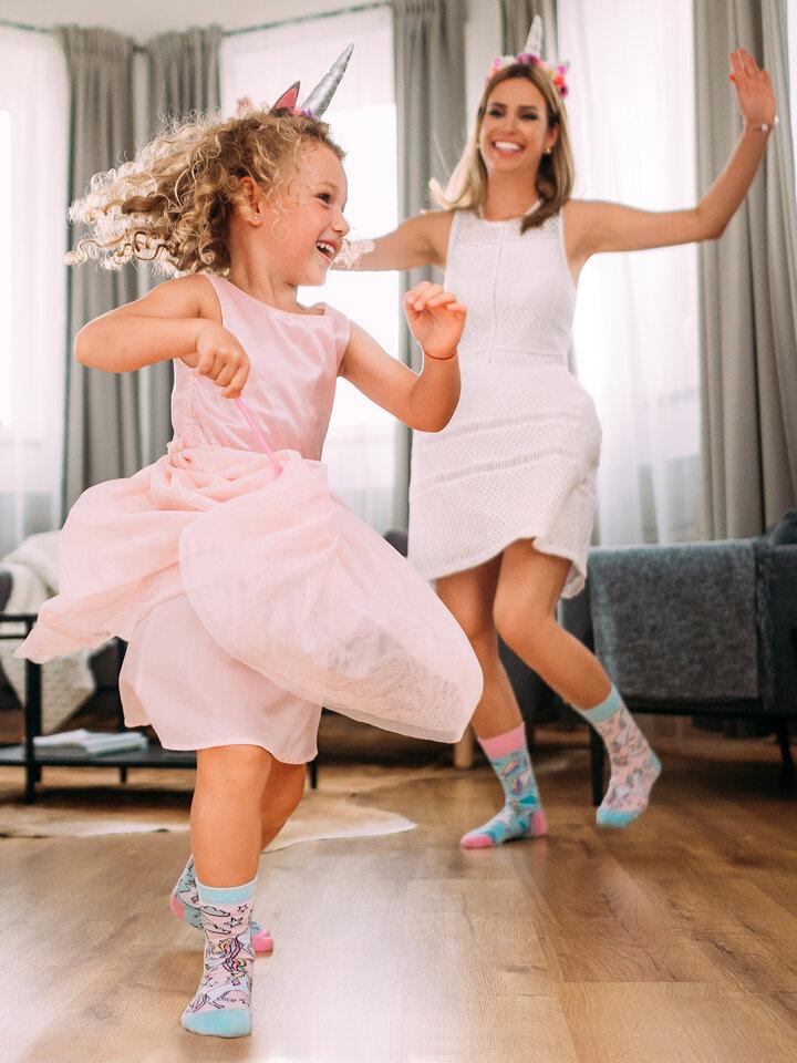 Obrázok produktu Весели детски весели чорапи Дъгоцветен еднорог
