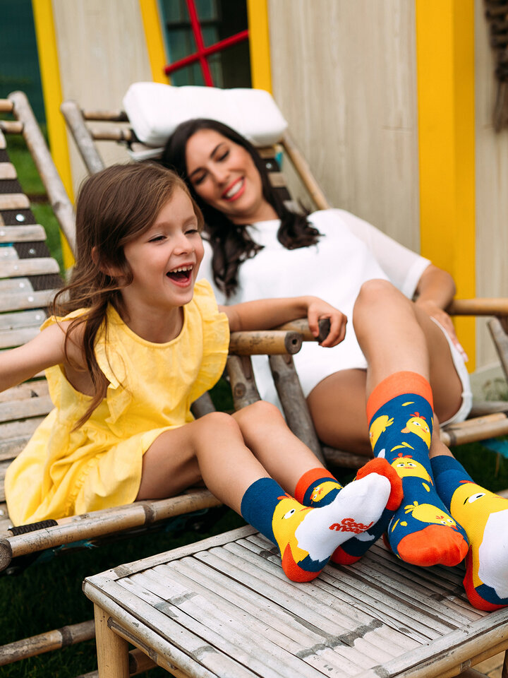 Looking for an original and unusual gift? The gifted person will surely surprise with Kids Socks' Chick
