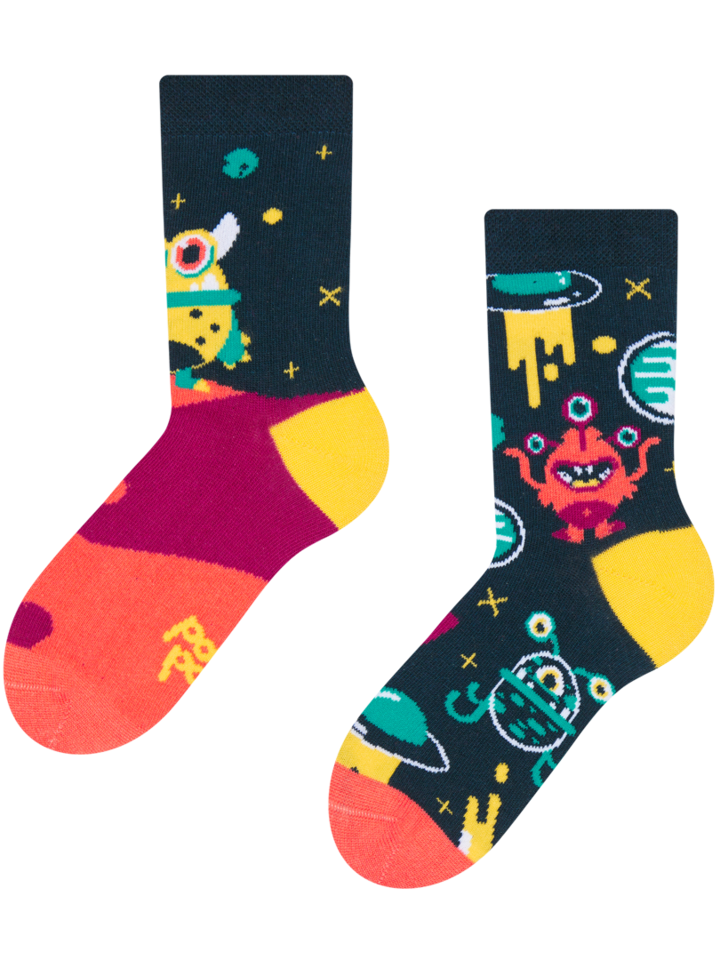 Looking for an original and unusual gift? The gifted person will surely surprise with Kids' Socks Aliens