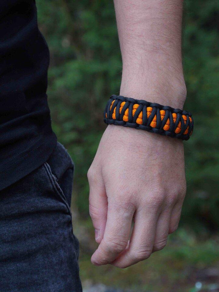 Rabatt Orange-schwarzes Paracord Armband King Cobra
