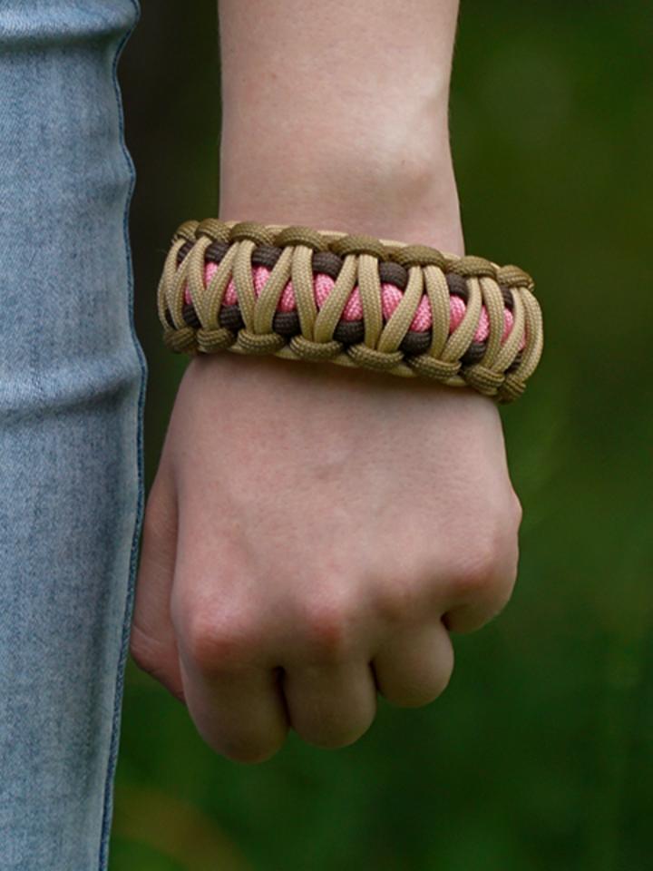 Pre dokonalý a originálny outfit Bracelet en paracorde Multicam W avec allume-feu, boussole et sifflet