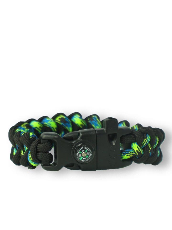 Lifestyle foto Bracelet en paracorde noir et vert Shark avec allume-feu, boussole et sifflet