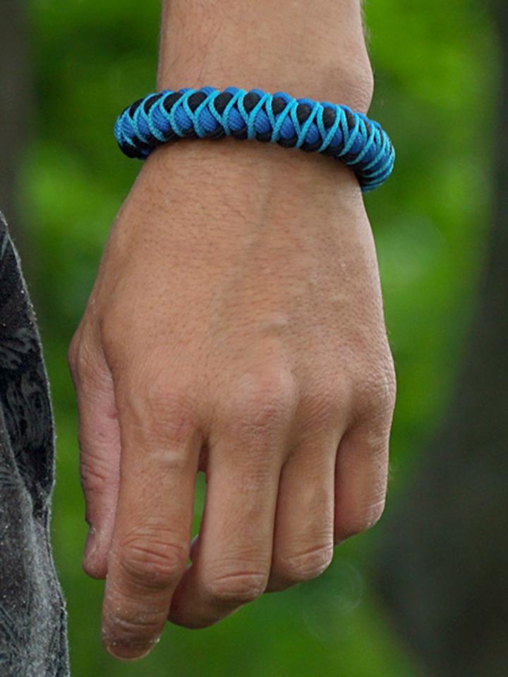 Rabatt Blaues Paracord-Armband Skip mit verstellbarer Schnalle