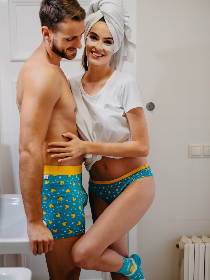 Looking for an original and unusual gift? The gifted person will surely surprise with Men's Trunks Ducks
