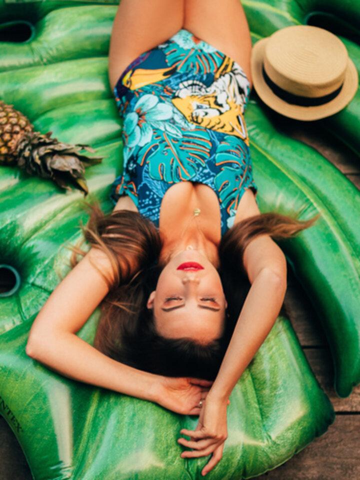 Pre dokonalý a originálny outfit One-piece Swimsuit Tropical jungle