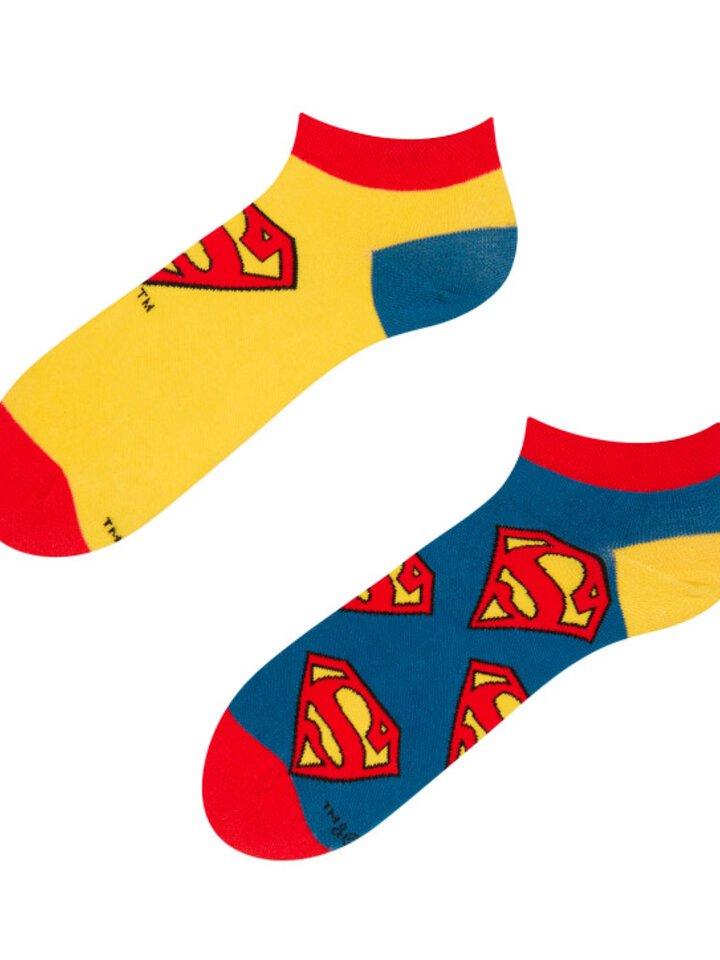 Looking for an original and unusual gift? The gifted person will surely surprise with Superman ™ Ankle Socks Logo