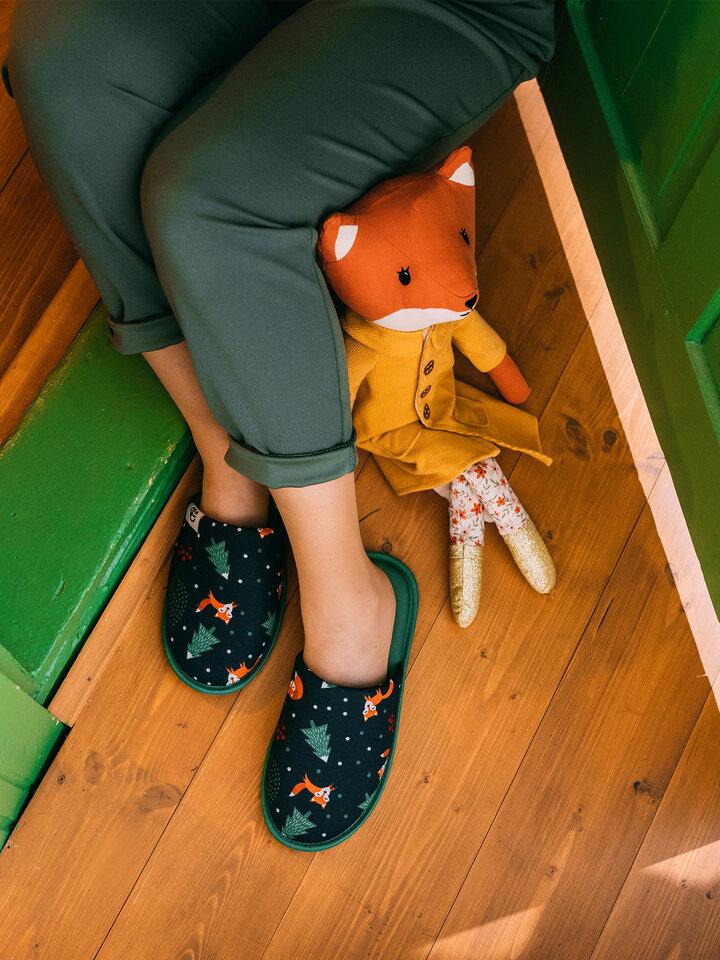 Pre dokonalý a originálny outfit Vesele papuče Crvena lisica
