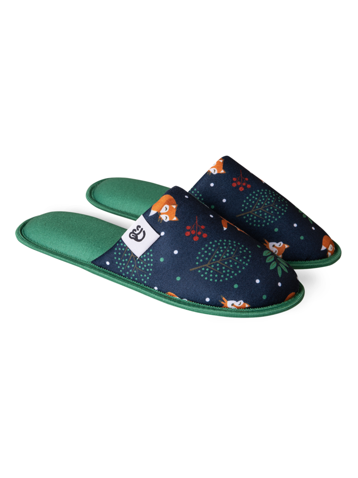 Looking for an original and unusual gift? The gifted person will surely surprise with Slippers Red Fox