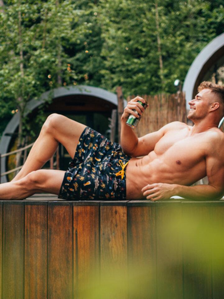 Lifestyle photo Swim Shorts Beach Beer