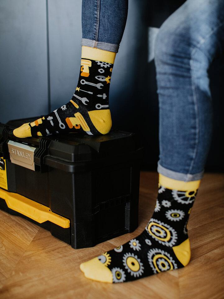 Eredeti és szokatlan ajándékot keres? a megajándékozottat garantáltan meglepi Vidám zokni Gépész