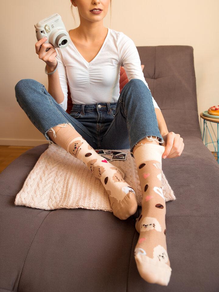 Potešte sa týmto kúskom Dedoles Vrolijke sokken Puppuccino
