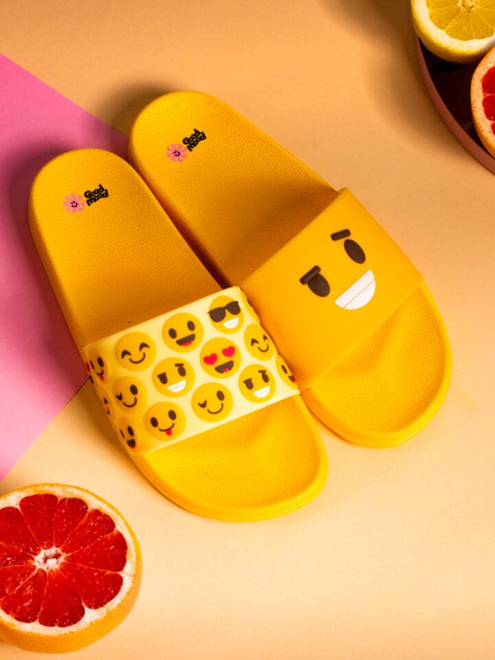 pro dokonalý a originální outfit Veselé pantofle Smajlíky